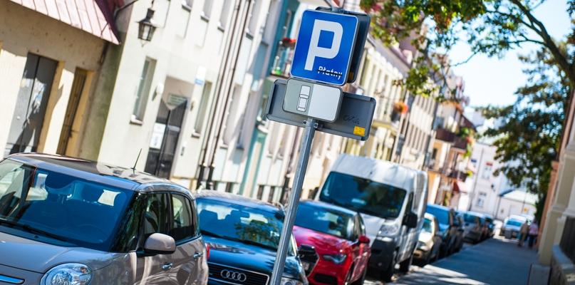 Nie parkujcie aut w tym miejscu, bo mogą przeszkadzać biegaczom - Zdjęcie główne