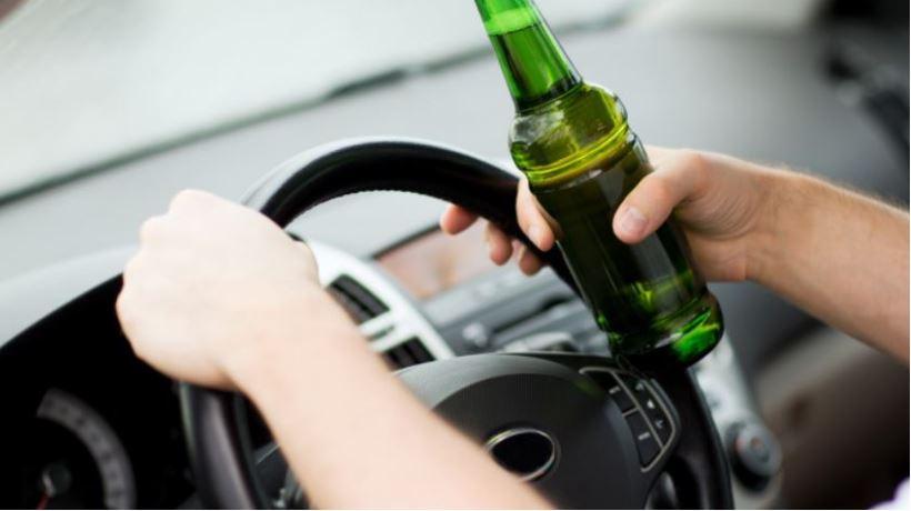 Policja zatrzymała pijanego kierowcę. Miał blisko 2,5 promila i spowodował wypadek - Zdjęcie główne