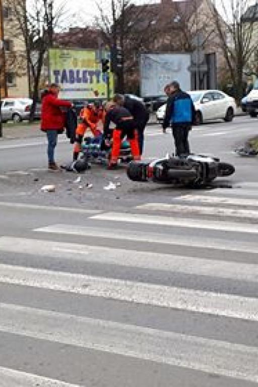 Wypadek przy komendzie - Zdjęcie główne