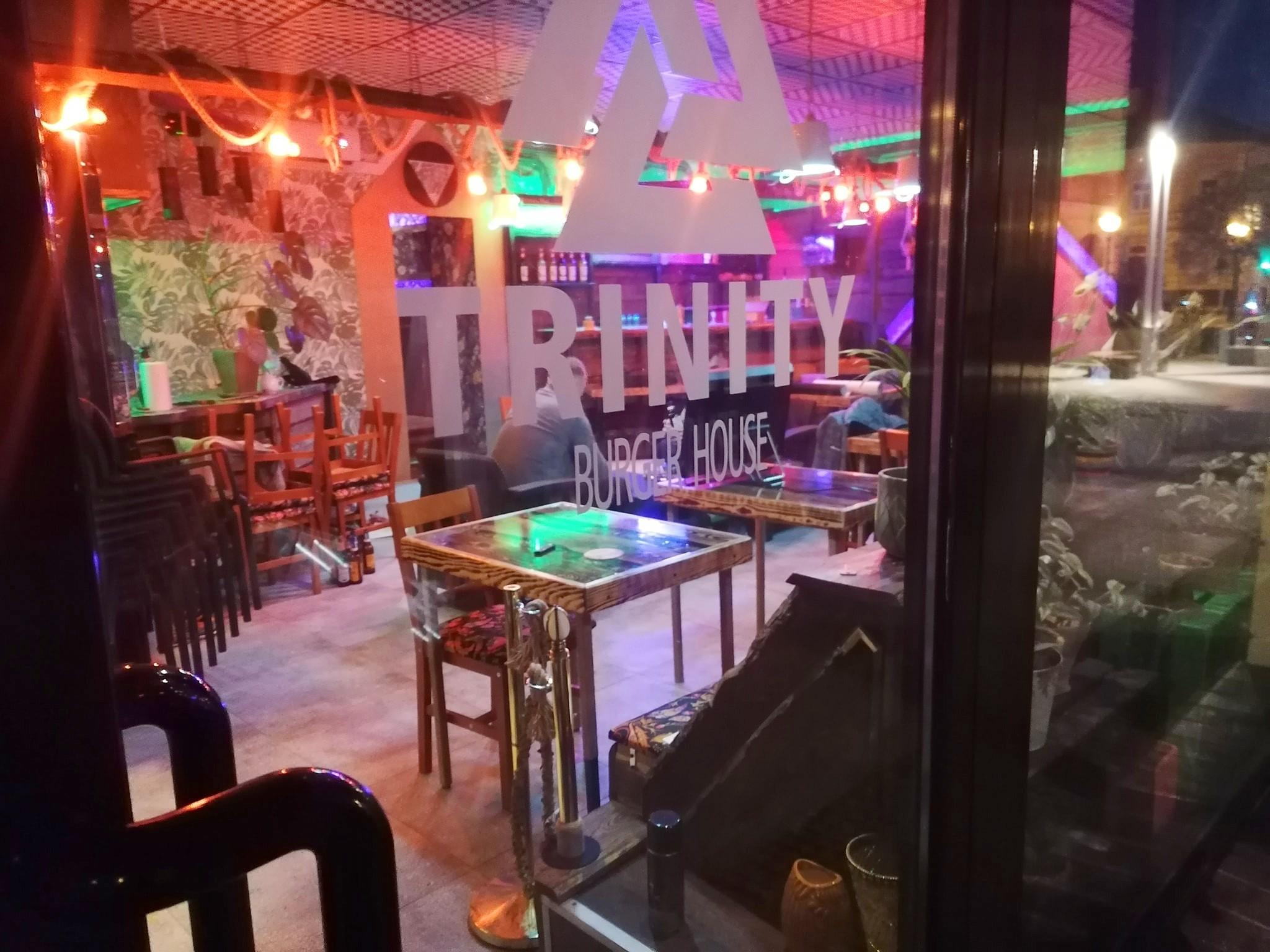 Otworzyli burgerownię w Płocku. Wieczorem interweniowała policja - Zdjęcie główne