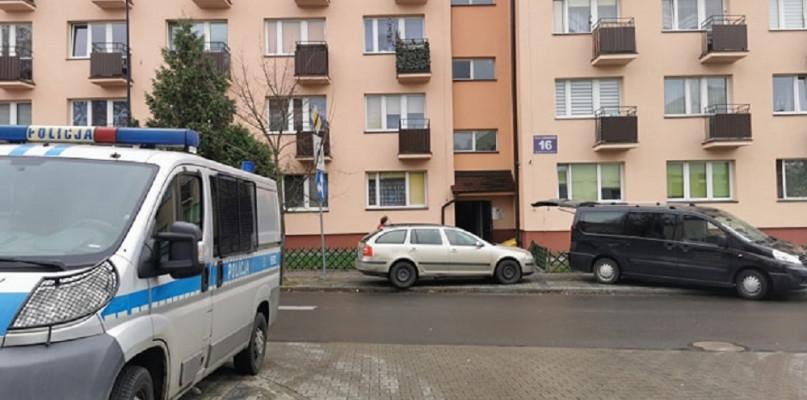 Znaleziono zwłoki mężczyzny w mieszkaniu w centrum miasta  - Zdjęcie główne