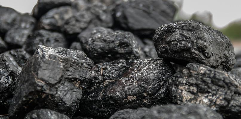 Jak przechowywać węgiel, aby zachował najwyższą jakość? - Zdjęcie główne