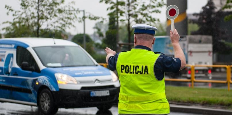 Masz kontrolę? Policjant spisze przebieg auta - Zdjęcie główne