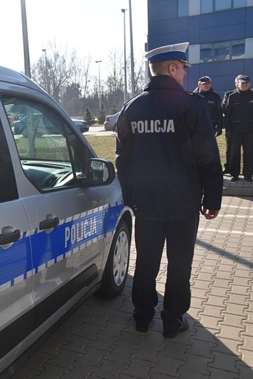 Nowe radiowozy dla policjantów - Zdjęcie główne