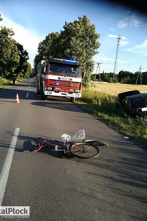 Potrącenie rowerzystki pod Płockiem - Zdjęcie główne