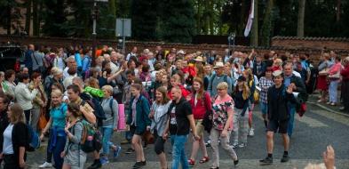 Tysiąc osób wyruszyło z Płocka. Wśród nich jest 150 płocczan - Zdjęcie główne