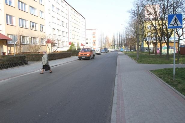 Koniec z dziurami. Ulica już jak nowa  - Zdjęcie główne