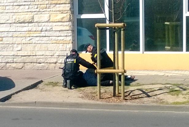 Widowiskowa akcja policji [FOTO] - Zdjęcie główne