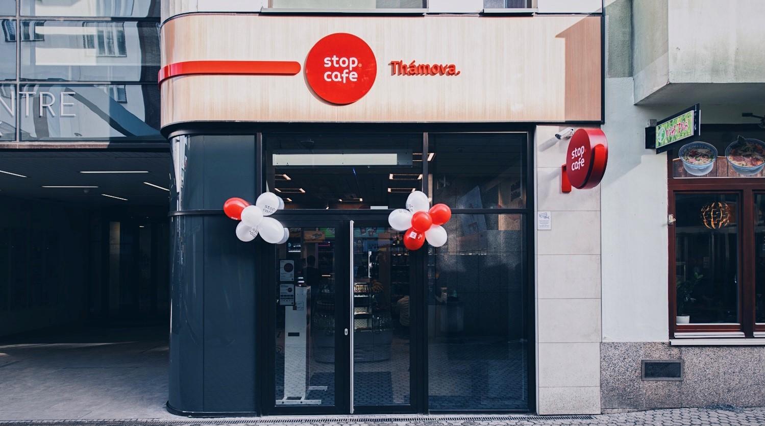 """Jest pierwszy sklep """"Stop Cafe"""" w Pradze  - Zdjęcie główne"""