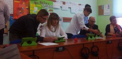 Uczniowie z Drobina na lekcjach i po szkole korzystają z tabletów - Zdjęcie główne