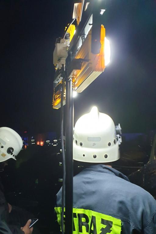Potężny pożar w Rokiciu w gminie Mochowo - Zdjęcie główne