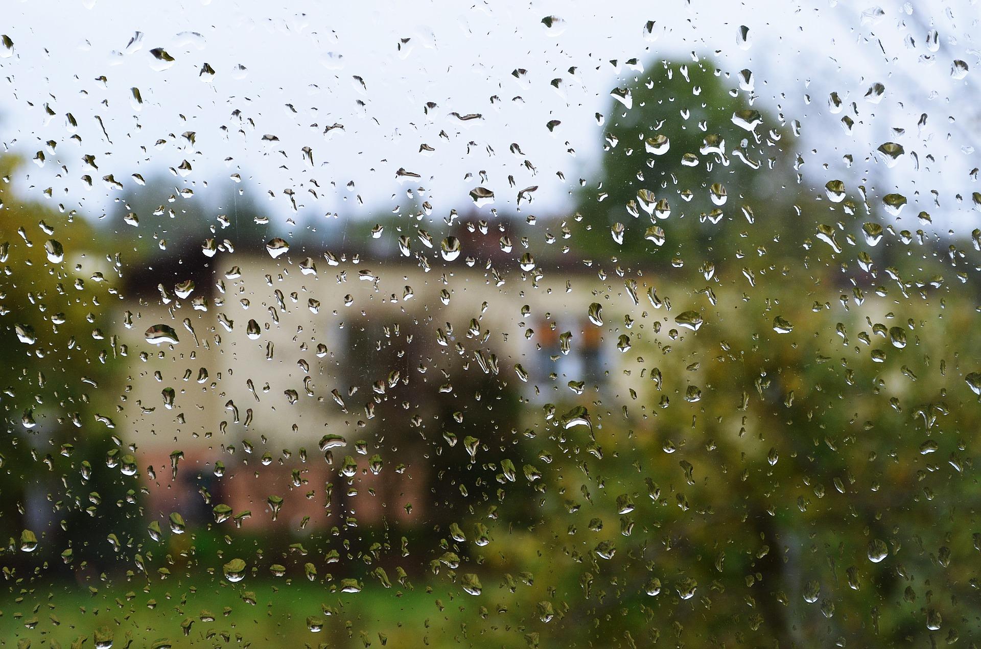 Ostrzeżenie. Bardzo mokry i burzowy poniedziałek?  - Zdjęcie główne