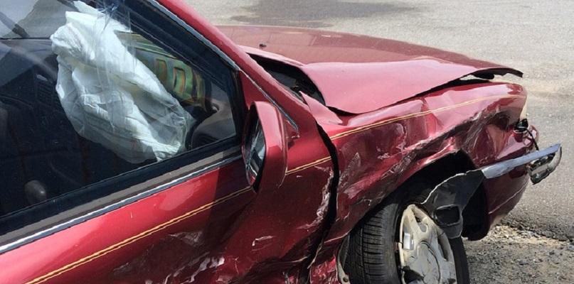 Jaka jest różnica pomiędzy szkodą częściową i całkowitą przy uszkodzeniu pojazdu? - Zdjęcie główne