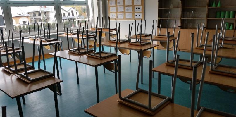 Strajk w płockich szkołach. Puste sale i brak uczniów - Zdjęcie główne