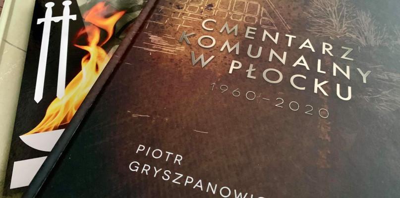Dwie nowe publikacje Piotra Gryszpanowicza. O historii i ku pamięci - Zdjęcie główne
