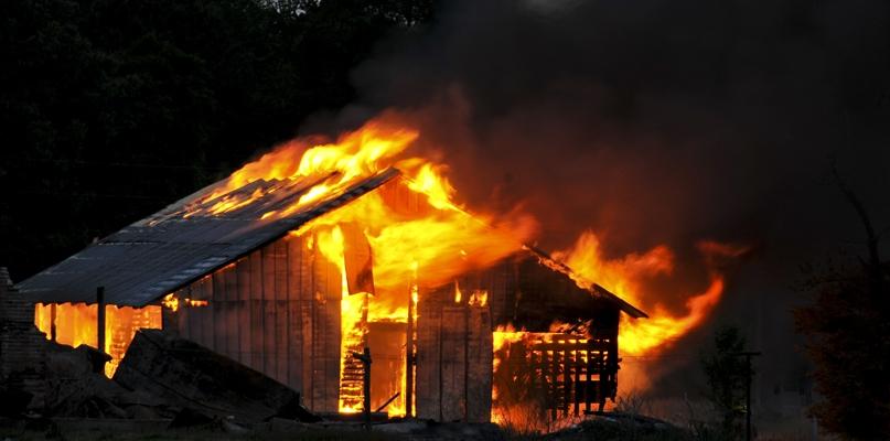 Dwa groźne pożary. W jednym ucierpiał mężczyzna - Zdjęcie główne
