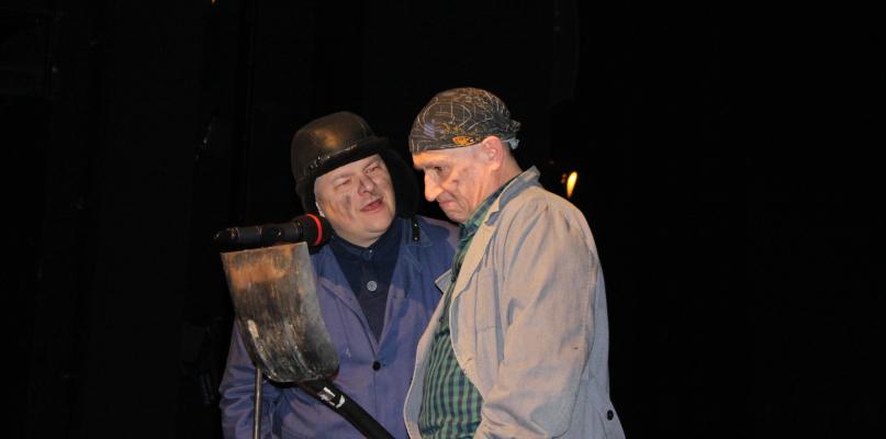 ...i znani płocczanie popłynęli Poltanikiem w  teatrze [ZDJĘCIA] - Zdjęcie główne