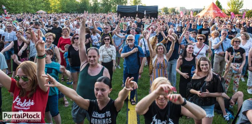 Rockowe miasto Płock. Mnóstwo osób na koncercie Rock Wolności [FOTO] - Zdjęcie główne