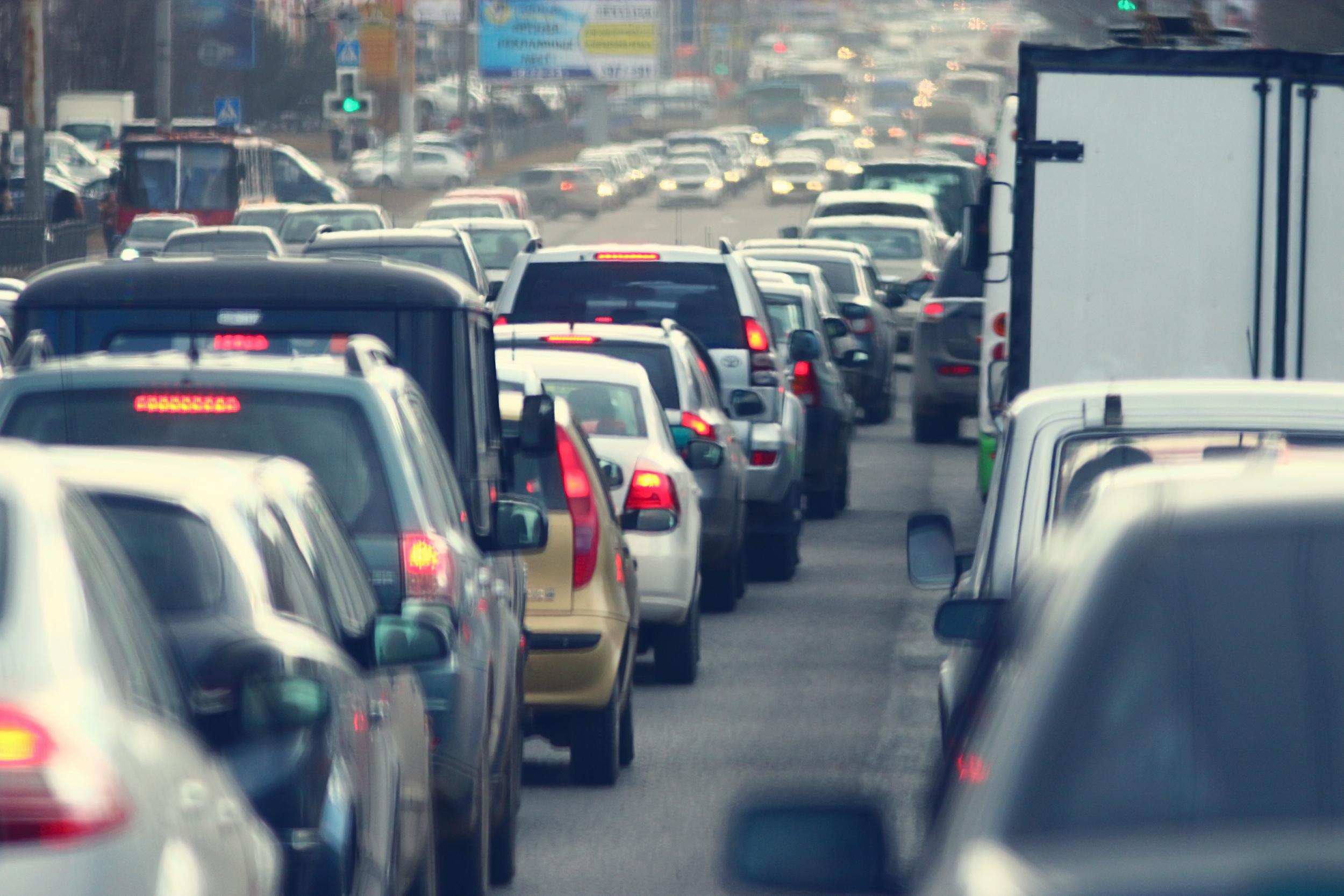 Pojazdów w Płocku jest już prawie tyle, ilu mieszkańców  - Zdjęcie główne
