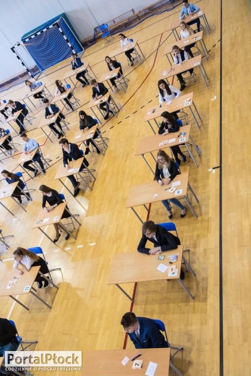 Egzamin gimnazjalny w G8 - Zdjęcie główne