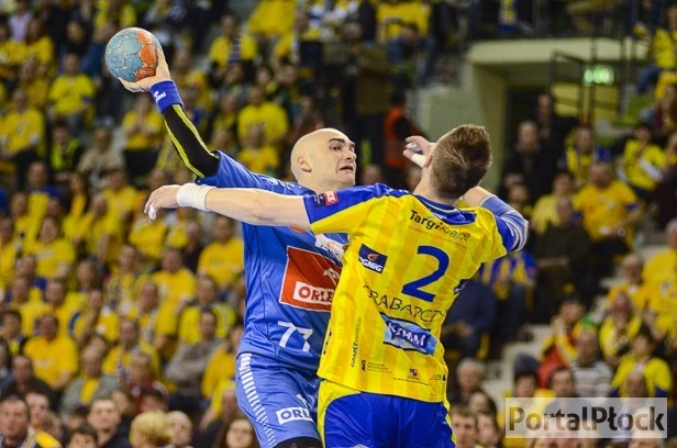 Zacięty mecz w Kielcach. Uraz Jurkiewicza - Zdjęcie główne