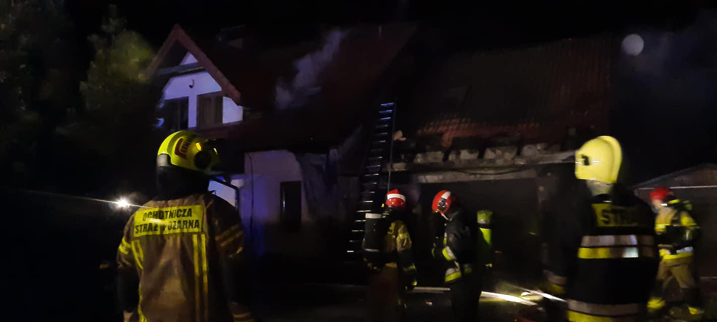 Pożar pod Płockiem. Płonął dom jednorodzinny [ZDJĘCIA] - Zdjęcie główne