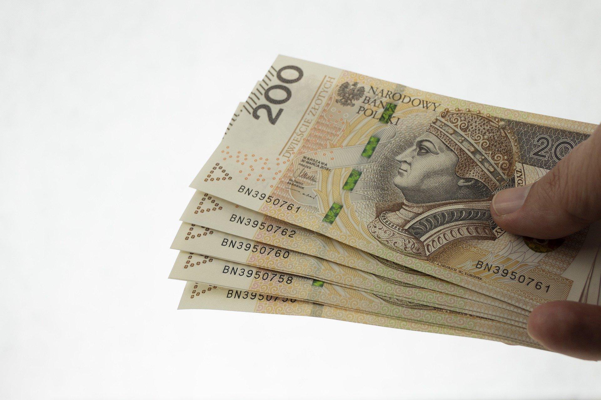 Pensja minimalna od stycznia w górę. Rząd określił stawkę  - Zdjęcie główne