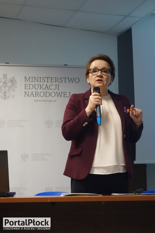 Minister edukacji w Płocku - Zdjęcie główne