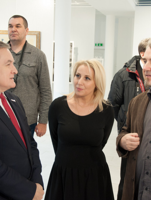Piotr Gliński zwiedzał wystawę w Płocku - Zdjęcie główne