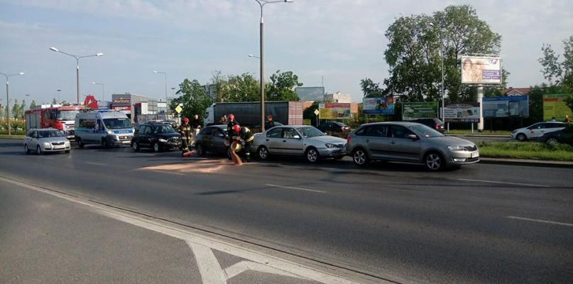 Uwaga, karambol na Podolszycach. Zderzyły się 4 auta - Zdjęcie główne