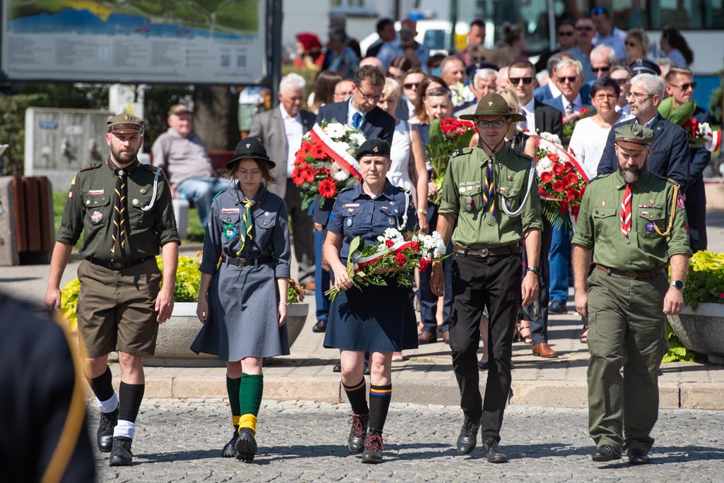 Złożono kwiaty, wspomniano bohaterów. Patriotyczne uroczystości w Płocku [ZDJĘCIA] - Zdjęcie główne