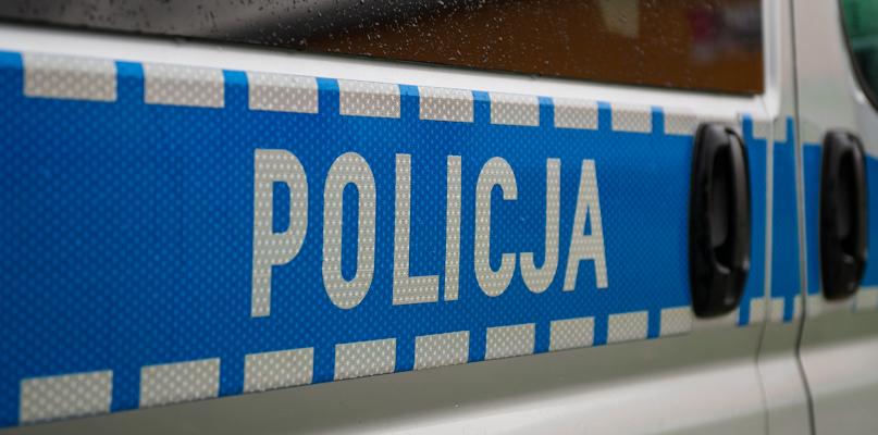 Policja raportuje: kolizje na drogach i kradzieże w supermarkecie - Zdjęcie główne
