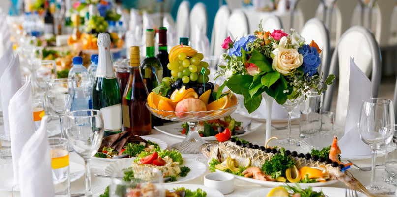 Sala weselna kiedy rezerwować i co zawrzeć w umowie? - Zdjęcie główne