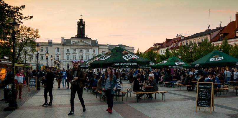 Festiwal foodtrucków na starówce [FOTO] - Zdjęcie główne