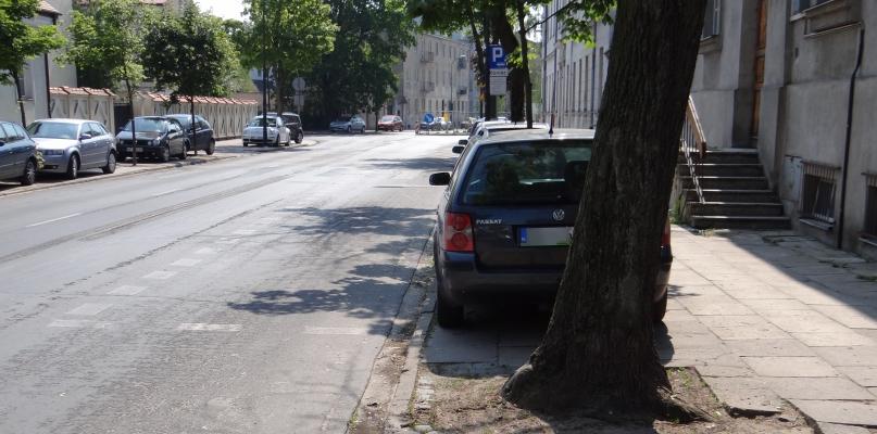 Uważajcie przy parkowaniu na ul. Kościuszki. Można się zdziwić - Zdjęcie główne