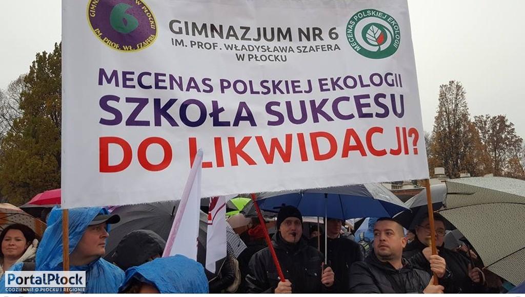 Płocczanie na manifestacji w Warszawie - Zdjęcie główne