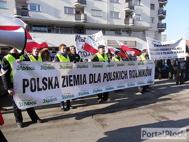Rolnicy protestują: chcemy godnie żyć - Zdjęcie główne