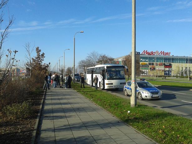 Policja zatrzymała autokar jadący na marsz - Zdjęcie główne