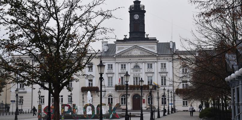 Prezydent zdecydował o zmianach organizacyjnych w płockim Ratuszu - Zdjęcie główne