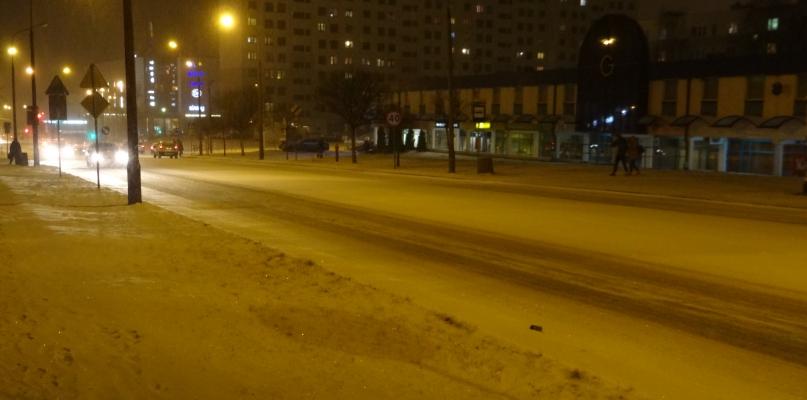 Zima zaatakowała ponownie. Płockie ulice są całe białe - Zdjęcie główne