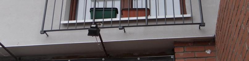 Po wypadku z balustradą. Czy balkony są bezpieczne? - Zdjęcie główne