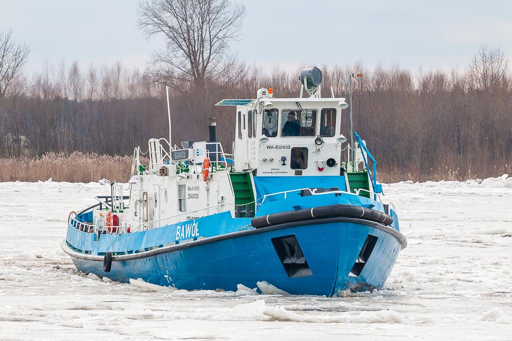Lodołamacze atakują zator na Wiśle koło Płocka - Zdjęcie główne