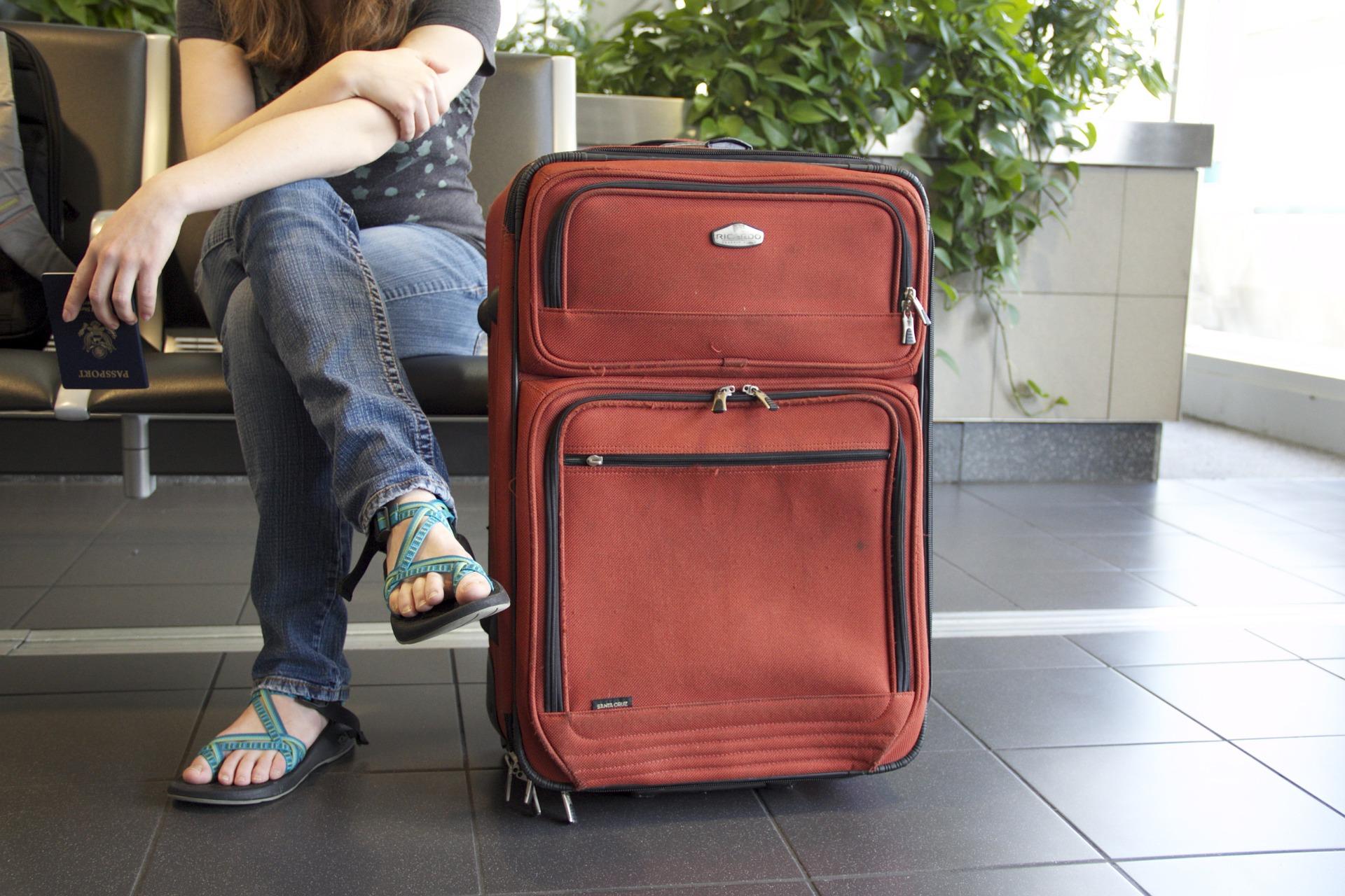 Wyjazd za granicę do pracy. Zobacz, co musisz ze sobą zabrać! - Zdjęcie główne