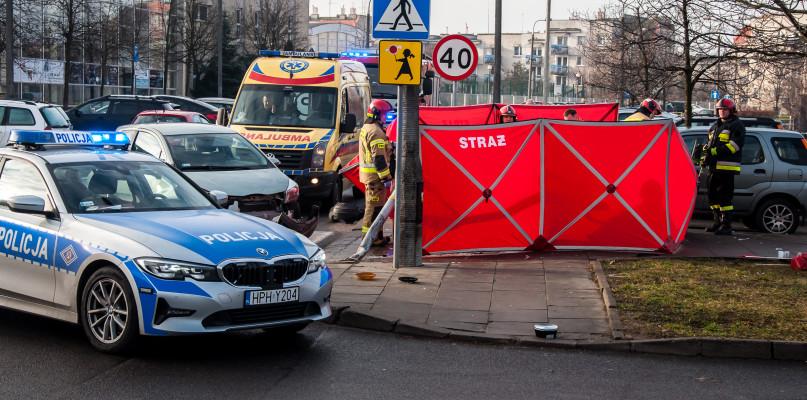 Policja szuka kierowcy, który miał wymusić pierwszeństwo  - Zdjęcie główne