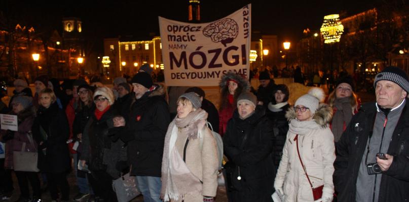 Czarna środa w Płocku. Ile osób protestowało? - Zdjęcie główne