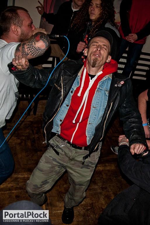Punk rock i pogo w klubie Rock 69 - Zdjęcie główne