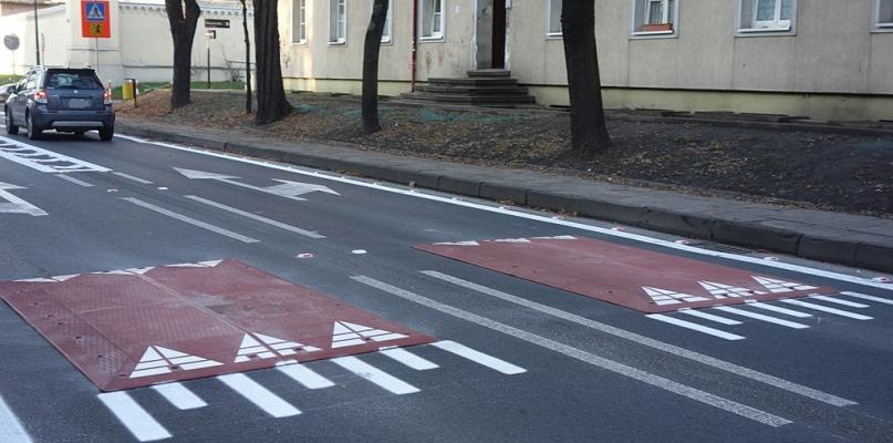 Poduszki berlińskie na kolejnej ulicy w Płocku. Gdzie tym razem? - Zdjęcie główne