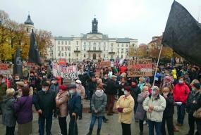 Rozpoczął się pierwszy protest przeciwko Orlenowi [FOTO, FILM] - Zdjęcie główne