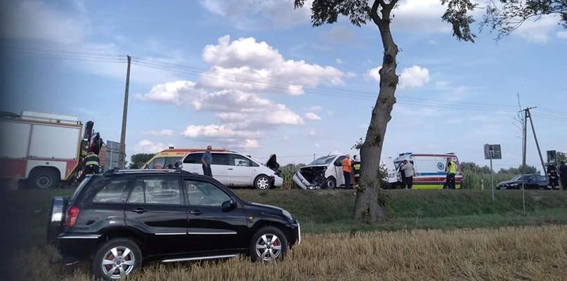 Wypadek w Bielsku. Poszkodowani przewiezieni do szpitala - Zdjęcie główne