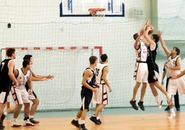 Zimny prysznic koszykarzy z Płocka - Zdjęcie główne